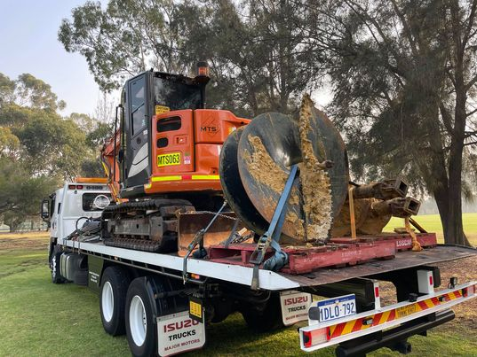 Heavy Towing Services – Heavy Tilt Tray Towing