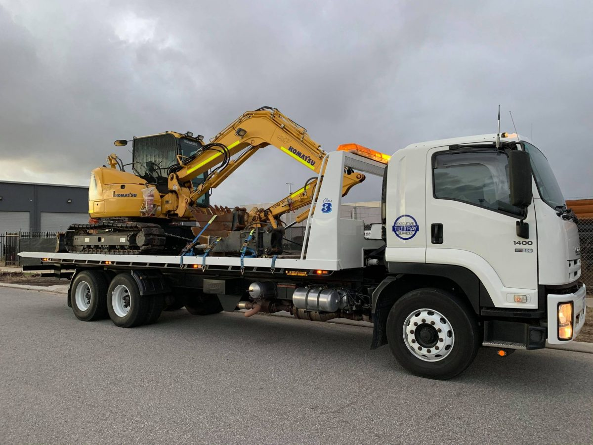 Read more about the article Heavy Tilt Tray Towing During The Winter Months In Perth